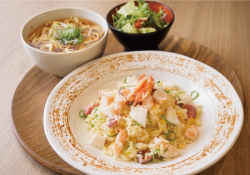 海鮮入り五目炒飯定食